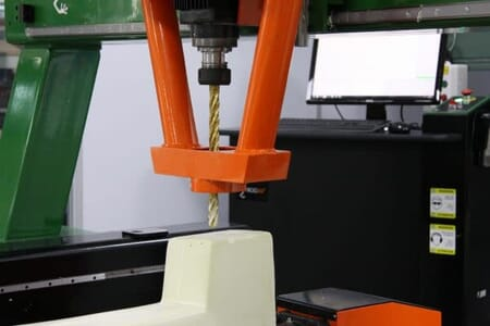 Milling machine for web