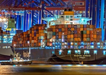 Marimtime shipping experts experience in Hamburg